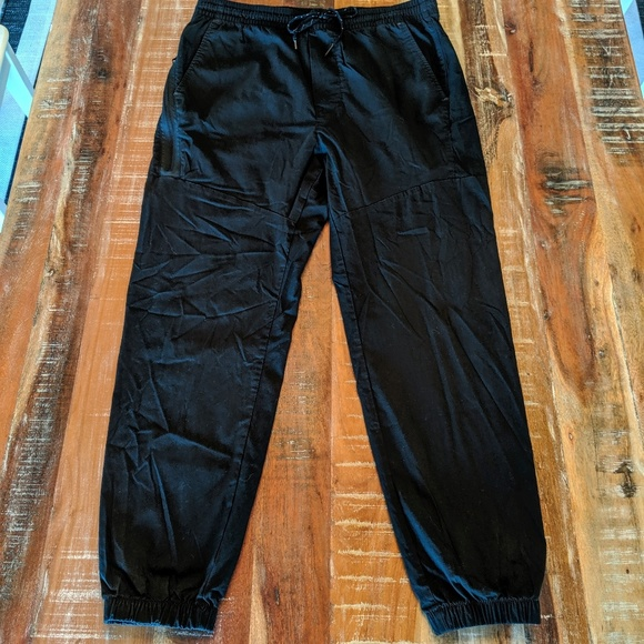 American Eagle Outfitters Pants - American Eagle Outfitters Flex Sport Pants Med